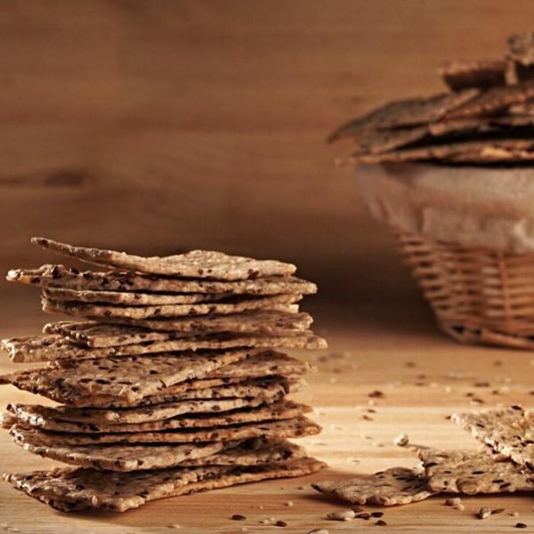 Biscuiti sarati cu maia si seminte (200 g)