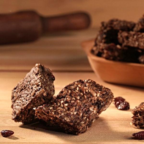 Biscuiti integrali cu seminte si merisor – fara zahar