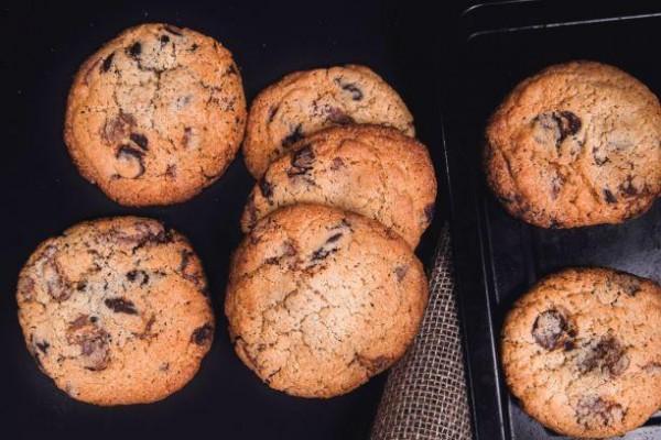 Cookie cu fulgi de ciocolata