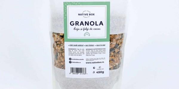 Granola cu caju și fulgi de cacao fără zahăr